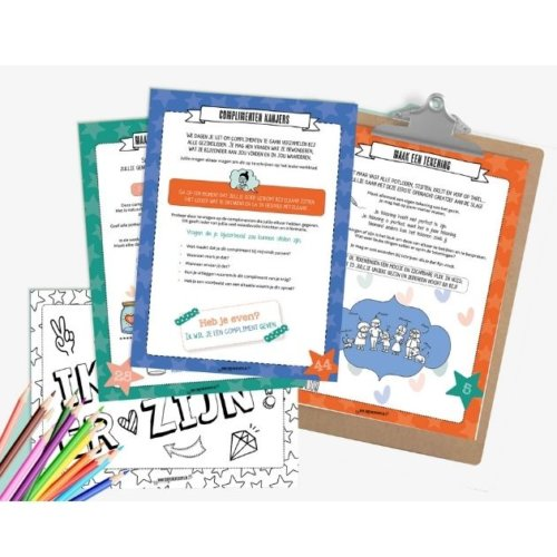 """Complimenten toolkit Productfoto """"Sprankelen met het gezin"""" werkblad op klembord en kleurplaat"""