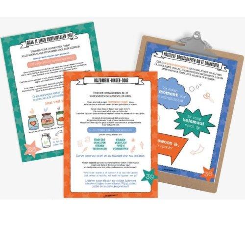"""Complimenten toolkit Productfoto """"Sprankelen met het gezin"""" werkblad op klembord"""